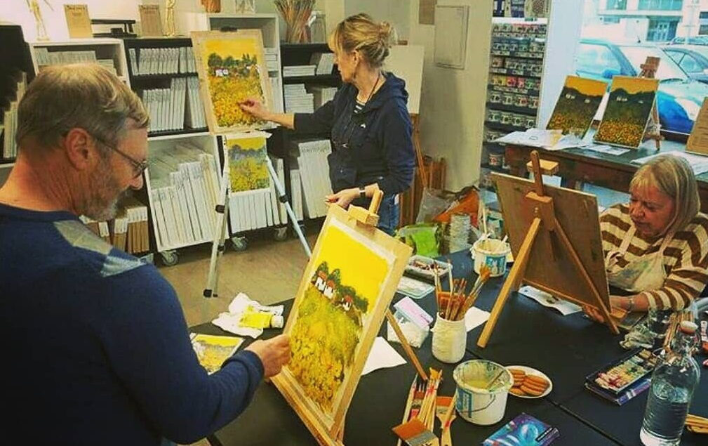 Teaching sunflowers during my classes and workshops
